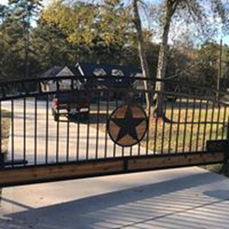 Custom iron gate, welding, ranch entry, ranch gate, pipe fence, fence plus, high tensile, barb wire, field fence, horse fence, logo gate, metal, cedar gate, cnc gate, custom entry, home desighns, farm fence, cattle gates, poweder coated gate, black pipe fence,